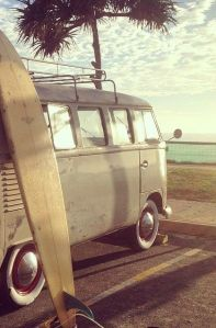VW van with surfboard (1)